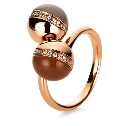 18 kt red gold color stone with 34 diamonds