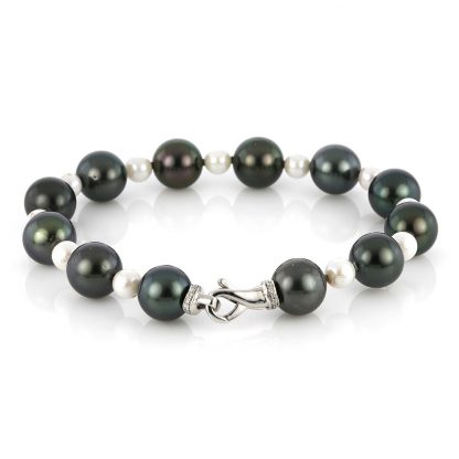 18 kt white gold bracelet with 23 pearls 5A038W8-1