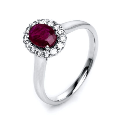 18 kt white gold color stone with 14 diamonds