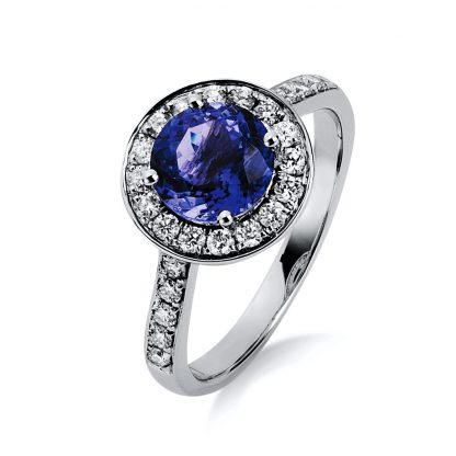 18 kt white gold color stone with 26 diamonds