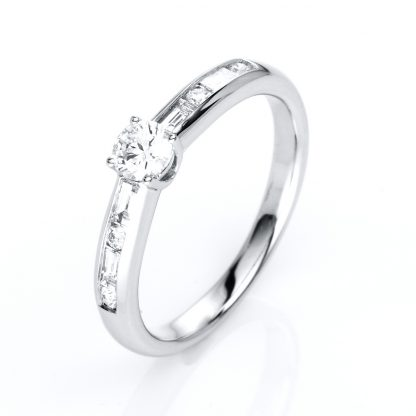 18 kt white gold solitaire with side stones with 9 diamonds 1C857W854-5