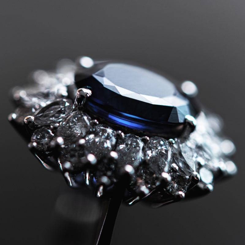 monis sapphire ring with diamond