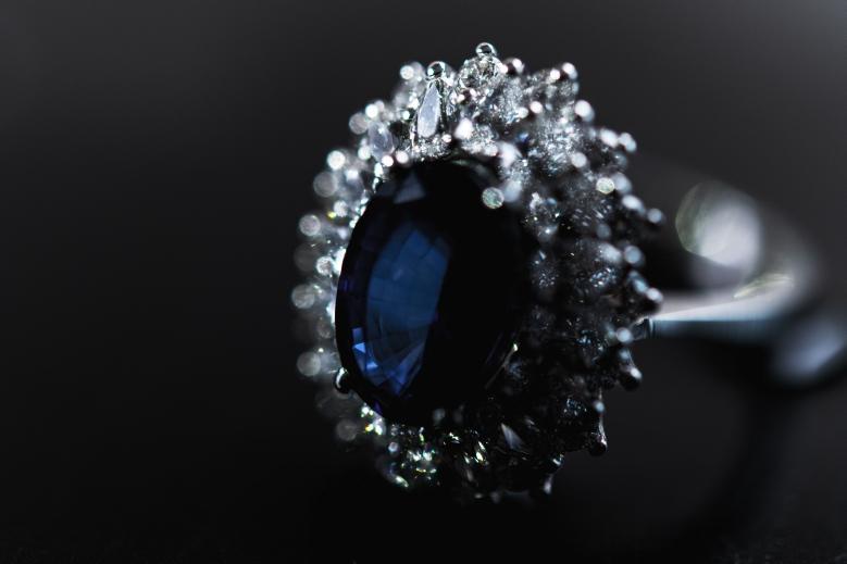 Eljegyzési zafír gyémánt gyűrű