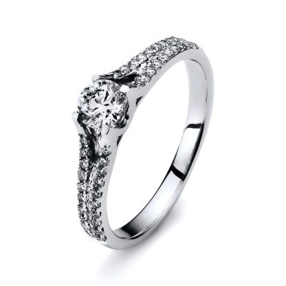18 kt white gold solitaire with side stones with 41 diamonds 1F057W854-1