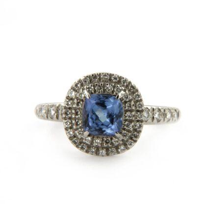 White gold ring with diamonds and tanzanite 32952 01