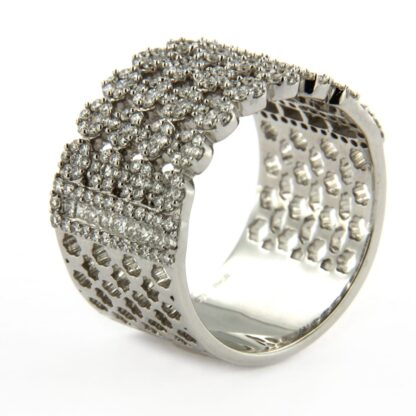 White gold ring with diamonds 38334 01