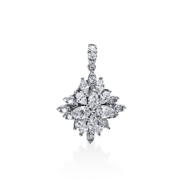 18 kt fehérarany medál 37 gyémánttal 3C778W8-2
